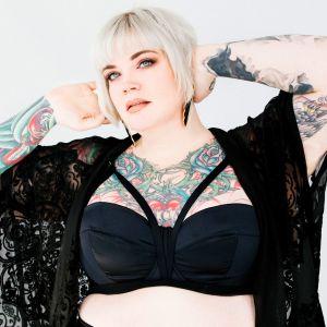 Chicago Detroit Kinky Blonde BBW GFE Escort Erin Black