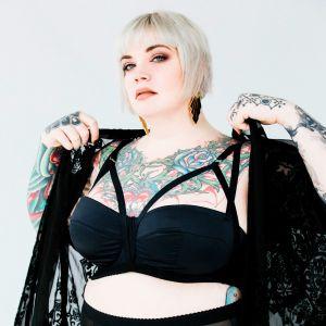 erin black bbw tattooed escort in chicago